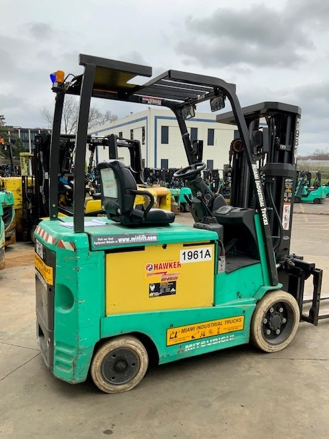 Side view of green forklift at Miami Industrial Trucks