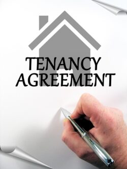 Signing a lease contract