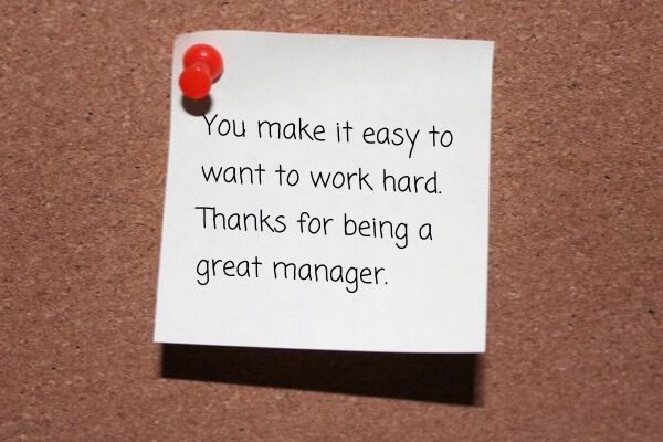 An example of a short and simple thank you message to boss written on a sticky note.