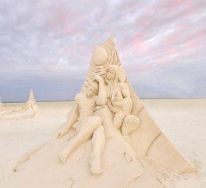 American Sand Sculpting - photo: http://chamber.fortmyersbeach.org/