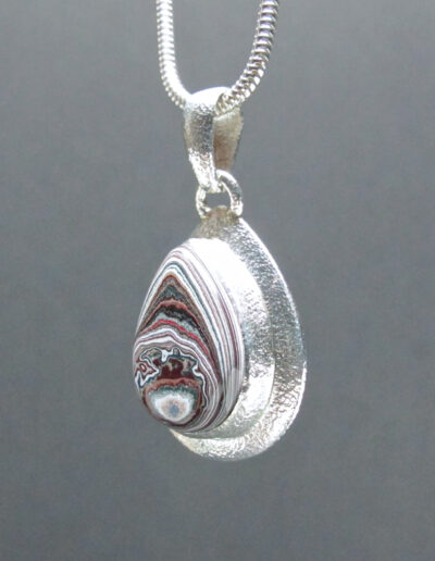 Sterling-Silver-and-Motor-Agate-Fordite-Necklace-1601-2