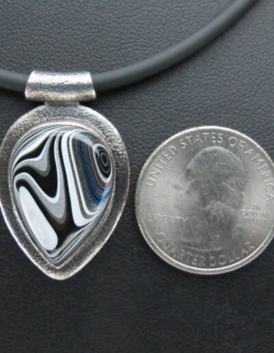 Sterling-Silver-and-Motor-Agate-Fordite-Necklace-1607-3