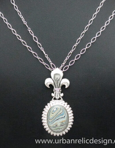 Sterling-Silver-and-Motor-Agate-Fordite-Necklace-1766-1