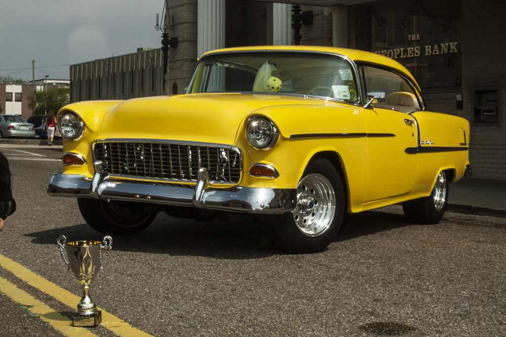 yellow Chevy 1955 Bel Air