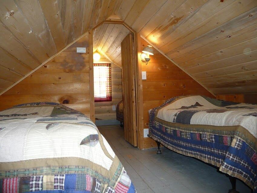 Cabin-04-04