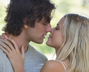 alex-pettyfer-gabriella-wilde-endless-love