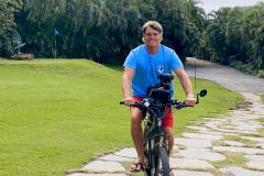 buzzy-on-bike