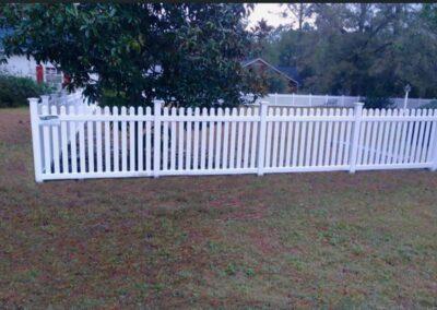 vinyl picket fence installer