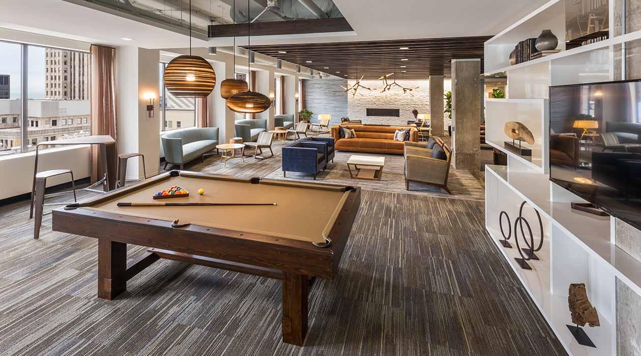 200 West Jackson Recreation Lounge
