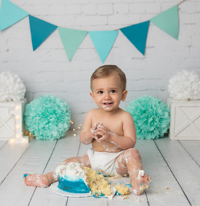 cake-smash-photographer-surprise