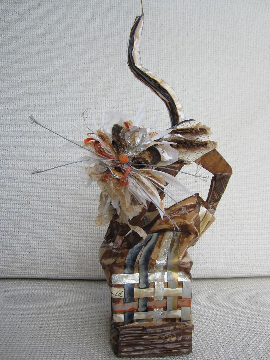 karen_garrett_rcl_sculpture_kitten_kaboodle_kite_view2