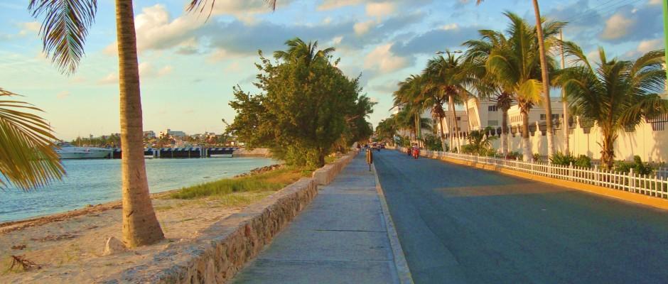 Islan Mujeres road