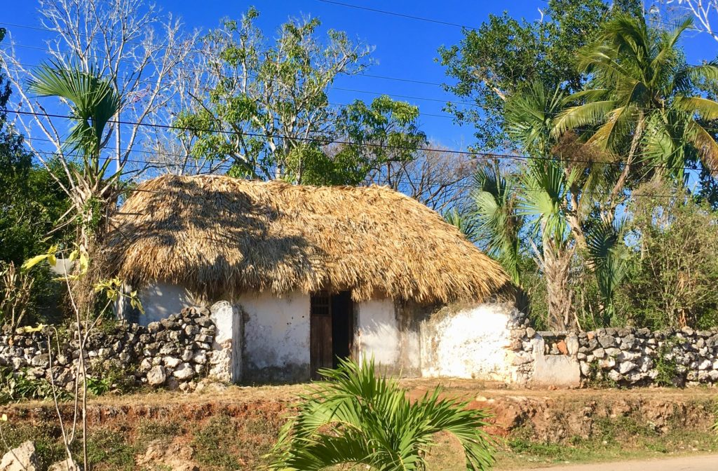 How Mayan houses are built and how they function
