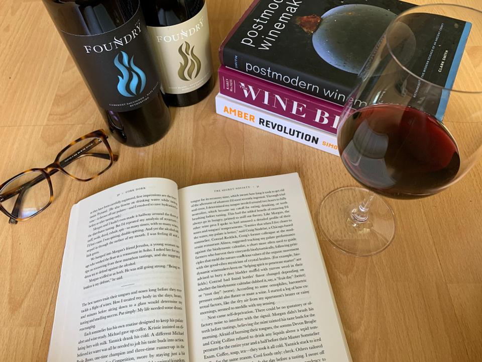Reading between the vines