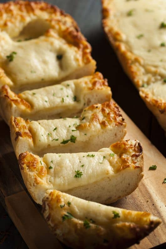 Toasted Cheese and Garlic Bread with Parsley