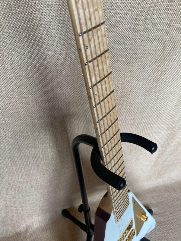 Pyramid Guitars Co. spec Moth
