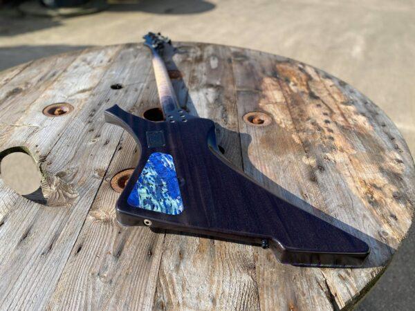Pyramid Guitars Co. spec Grainger Guitars Hades Bass