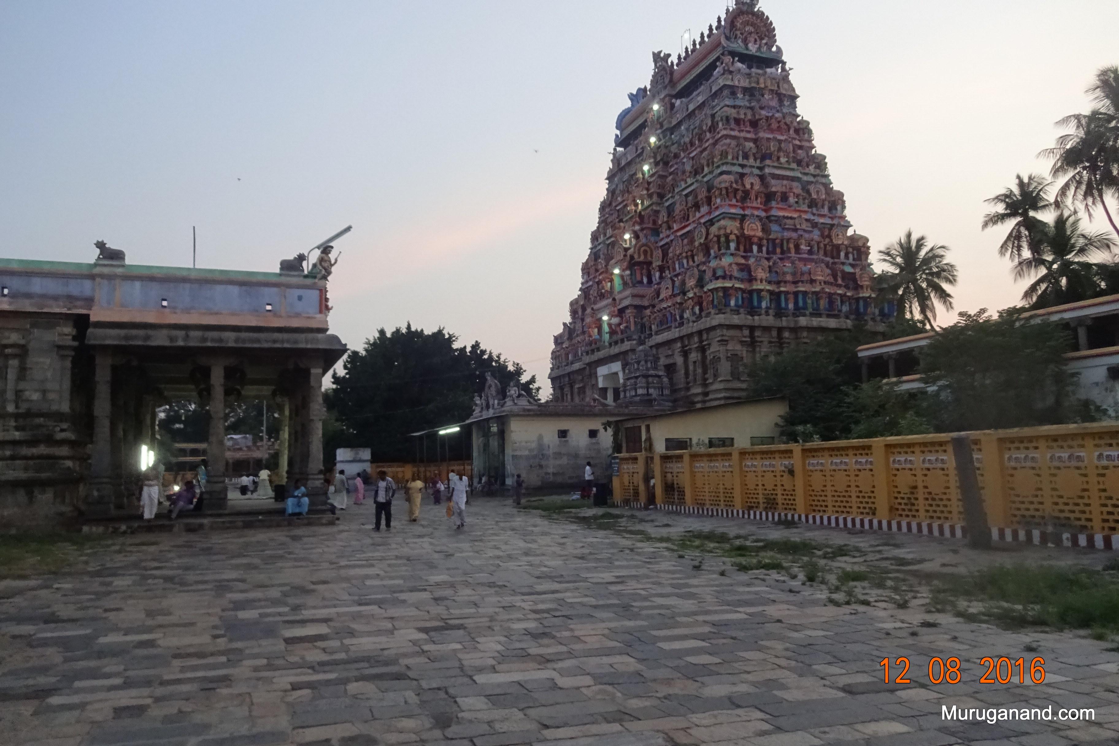 West Gopuram (west tower)