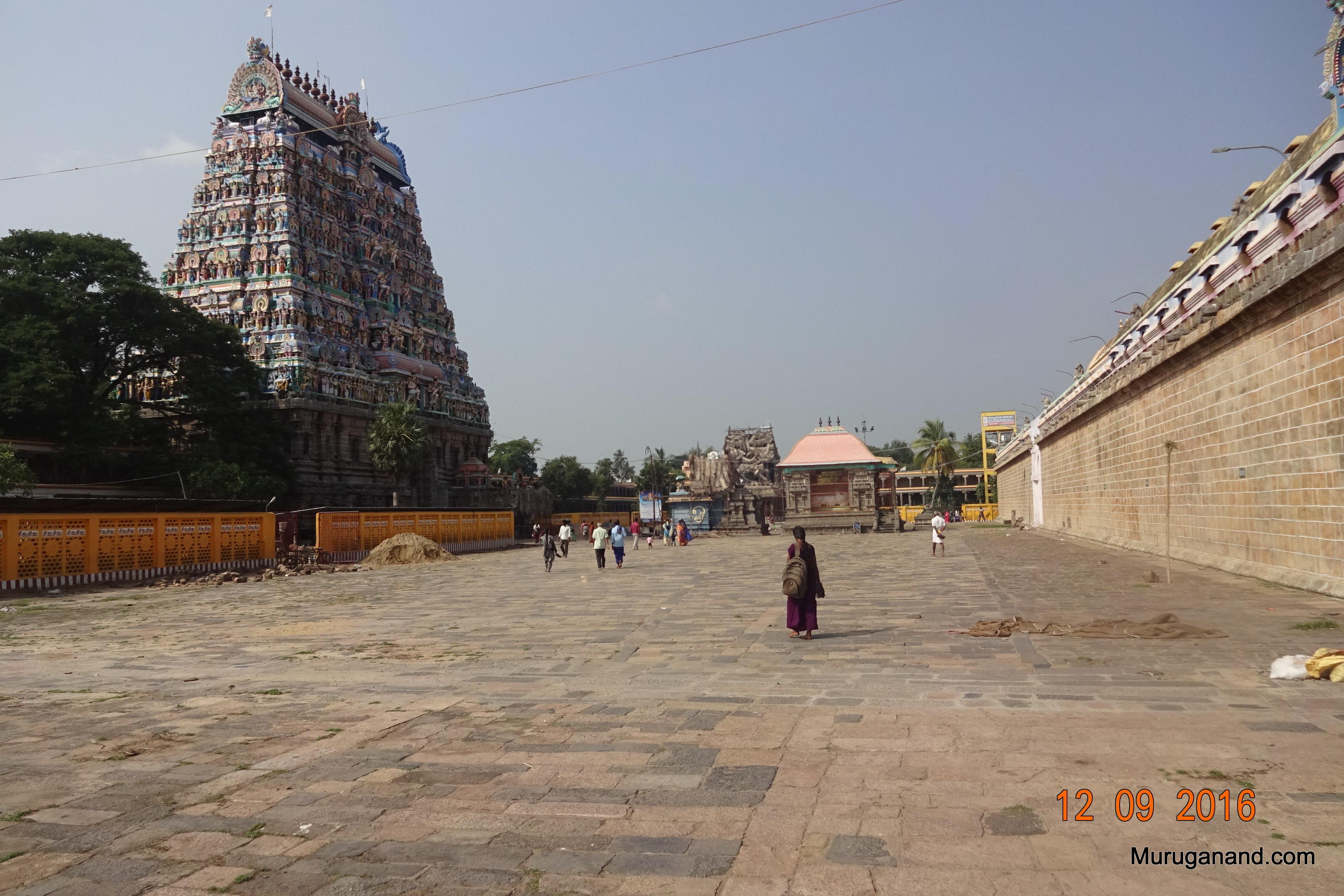 South Gopuram and southern side of outer courtyard (prakaram)