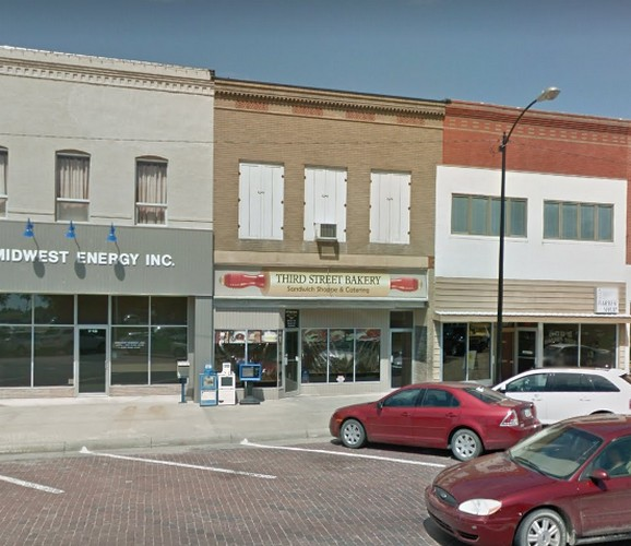 Third Street Bakery in Phillipsburg bumbles inspection; 10-15 fresh rodent droppings in kitchen, Evidence of gnawing on a package of food