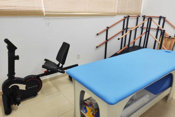 Unidade de Saúde trabalha com sala de fisioterapia equipada