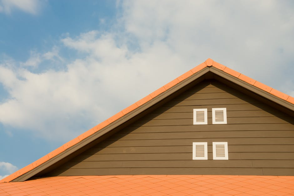 Roof Colors: Making Your Home Stand Out