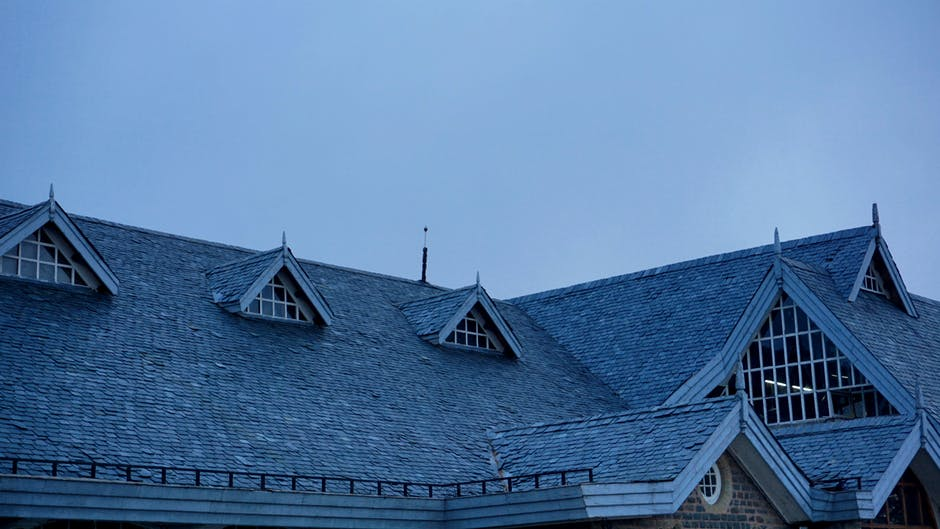 Choose the Right Roof for You: 5 Roof Styles for Homes