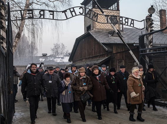 Quebecers less exposed to Holocaust than other Canadians, poll finds