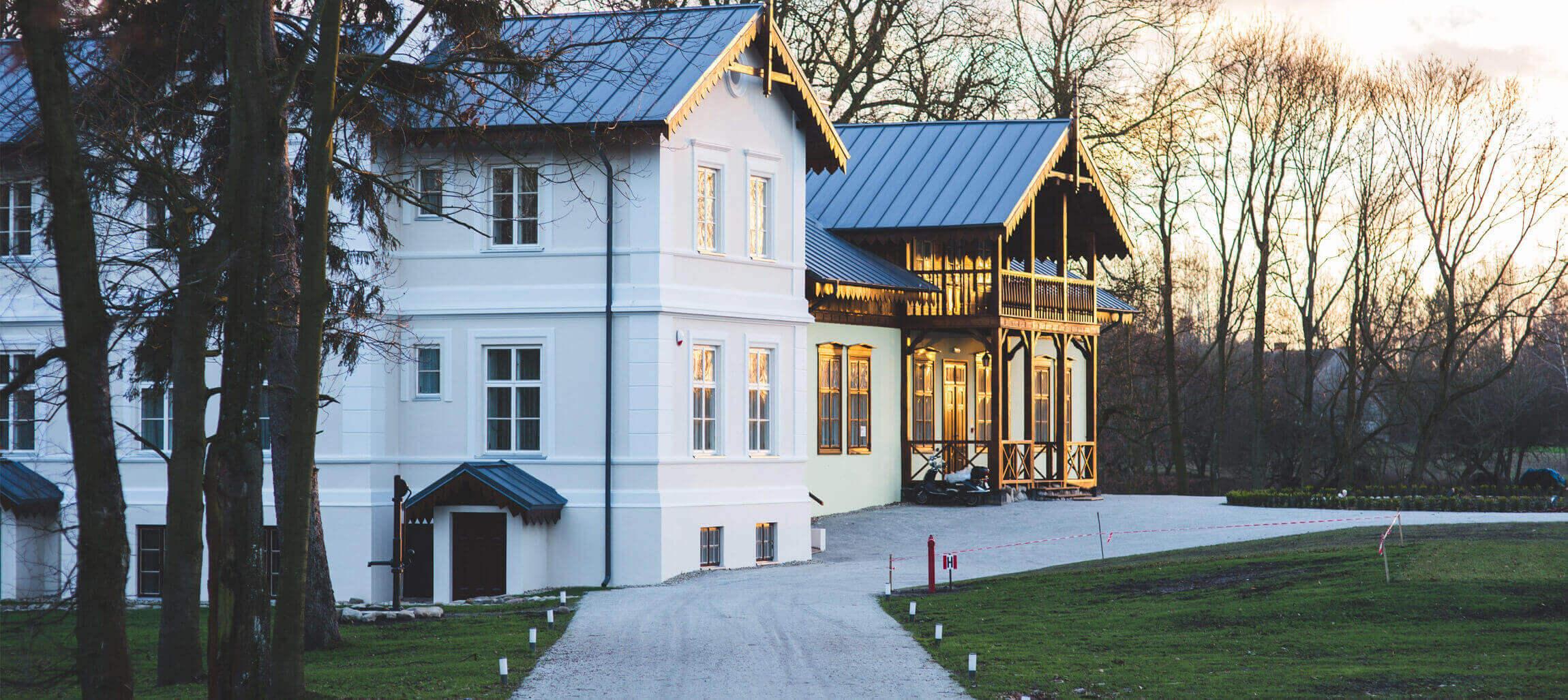 luxury roofing minneapolis stpaul elysian banner