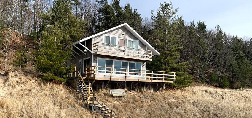 beachfront cottage pentwater michigan