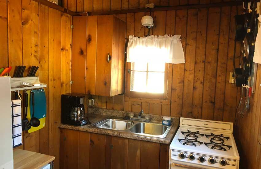 cozy cove cabins kitchen