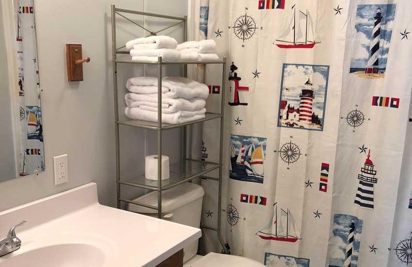 lighthouse cottage bathroom