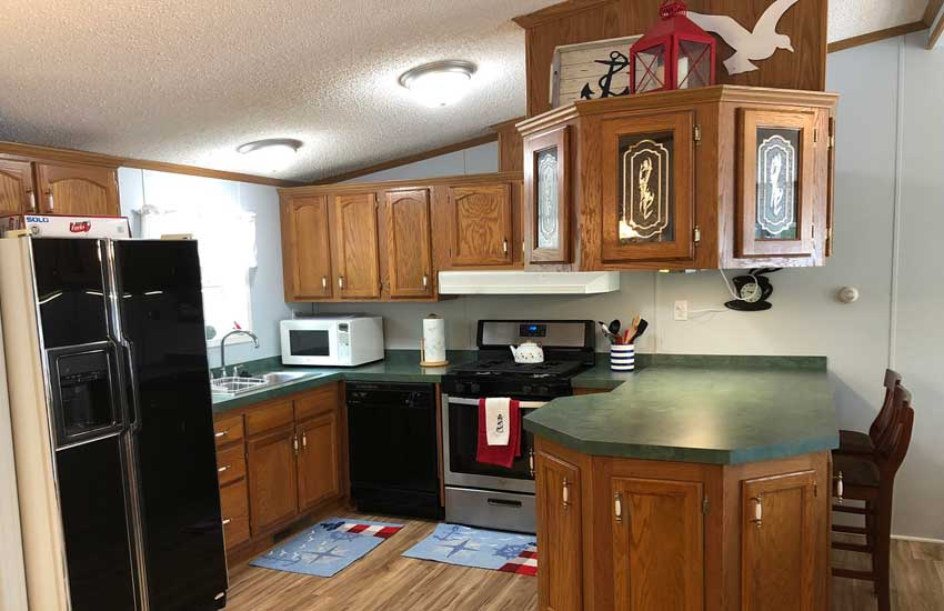 lighthouse cottage kitchen