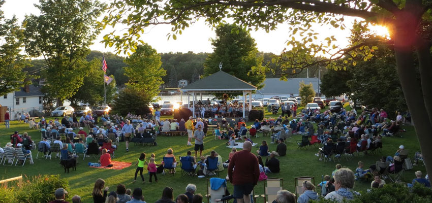 pentwater band concerts in the village green