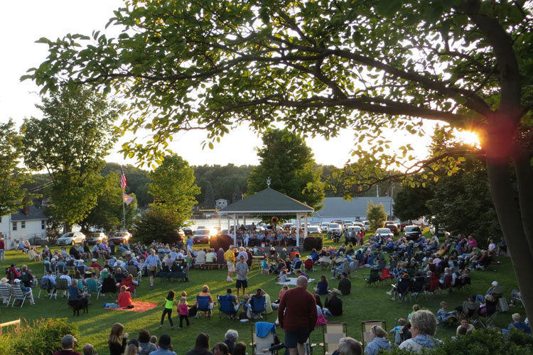 pentwater civic band concert on the green