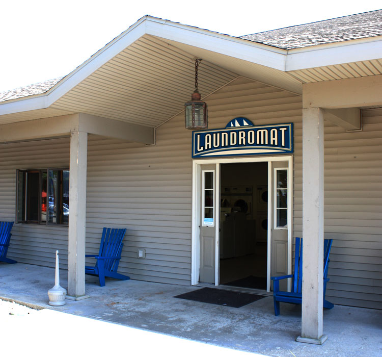 pentwater laundromat at snug harbor marina