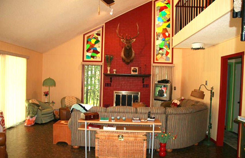 pentwater vacation rental living room