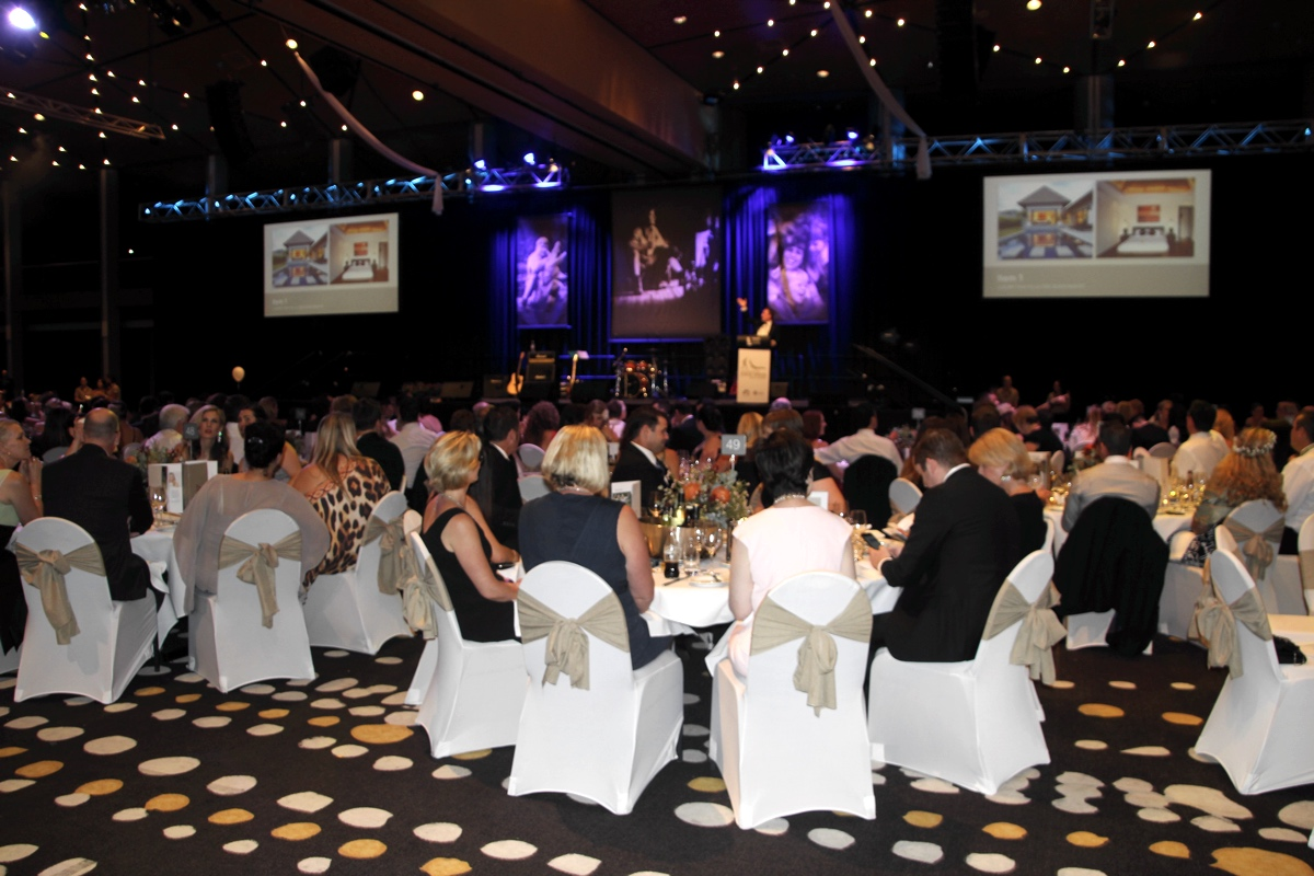 Minnik Chartered Accountants - Australia Zoo - Auction Night