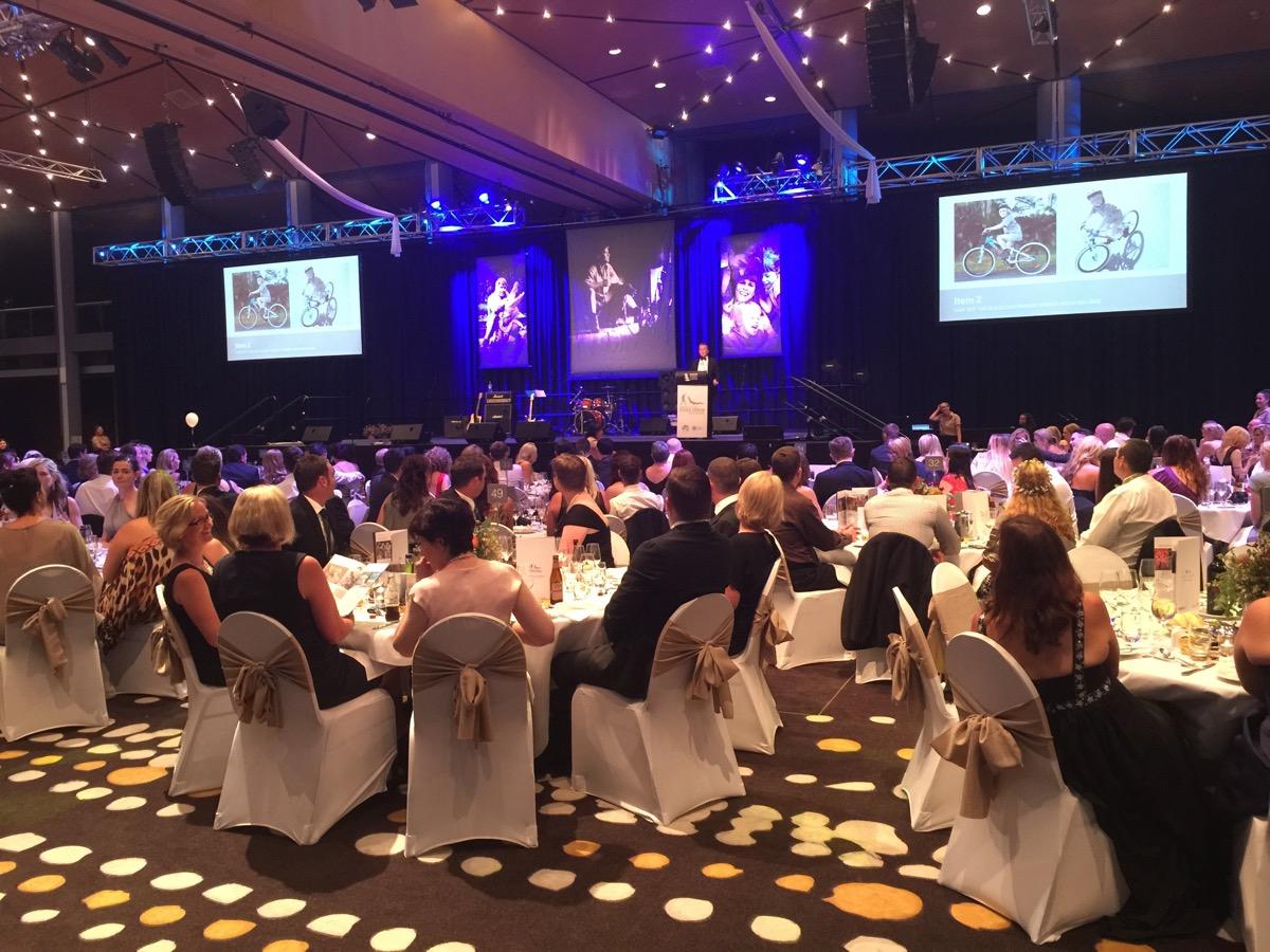 Minnik Chartered Accountants - Australia Zoo - Tributes and Memories of Steve's Family