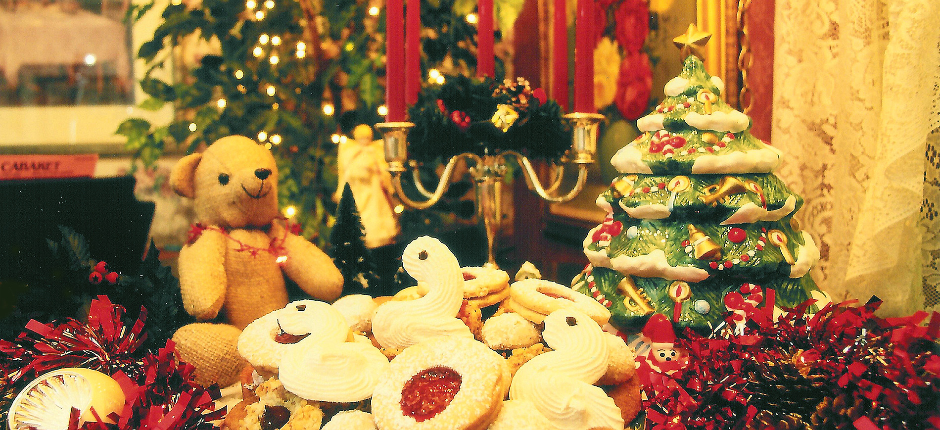 cookies with stuffed bear and Xmas tree