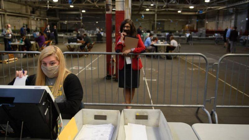 การเลือกตั้งสหรัฐฯปี 2020 ทรัมป์วางแผนท้าทายกฎหมายอะไรบ้าง? ข่าวดารา ข่าวบันเทิง บันเทิง ไลฟ์สไตล์ รีวิวหนัง หนังน่าดู ทรัมป์วางแผนกฎหมาย การเลือกตั้งสหรัฐฯ