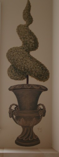 Old World - Urn with topiary