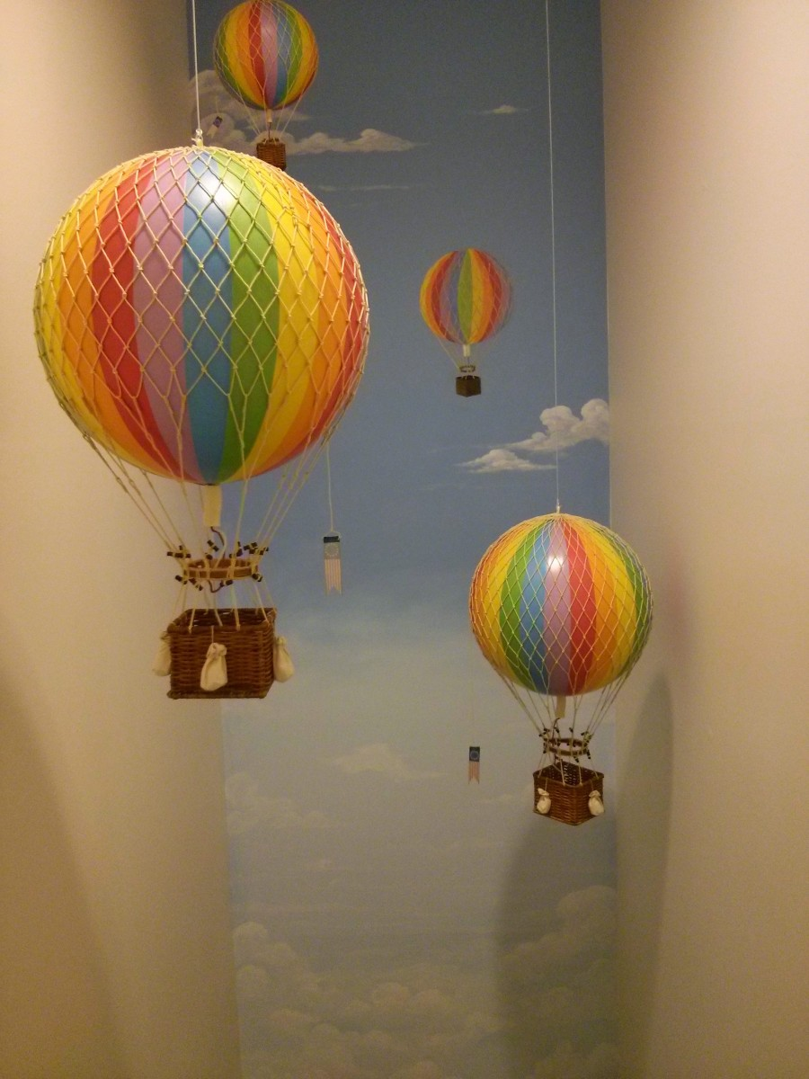 Accent Mural - Sky and Hot Air Balloon