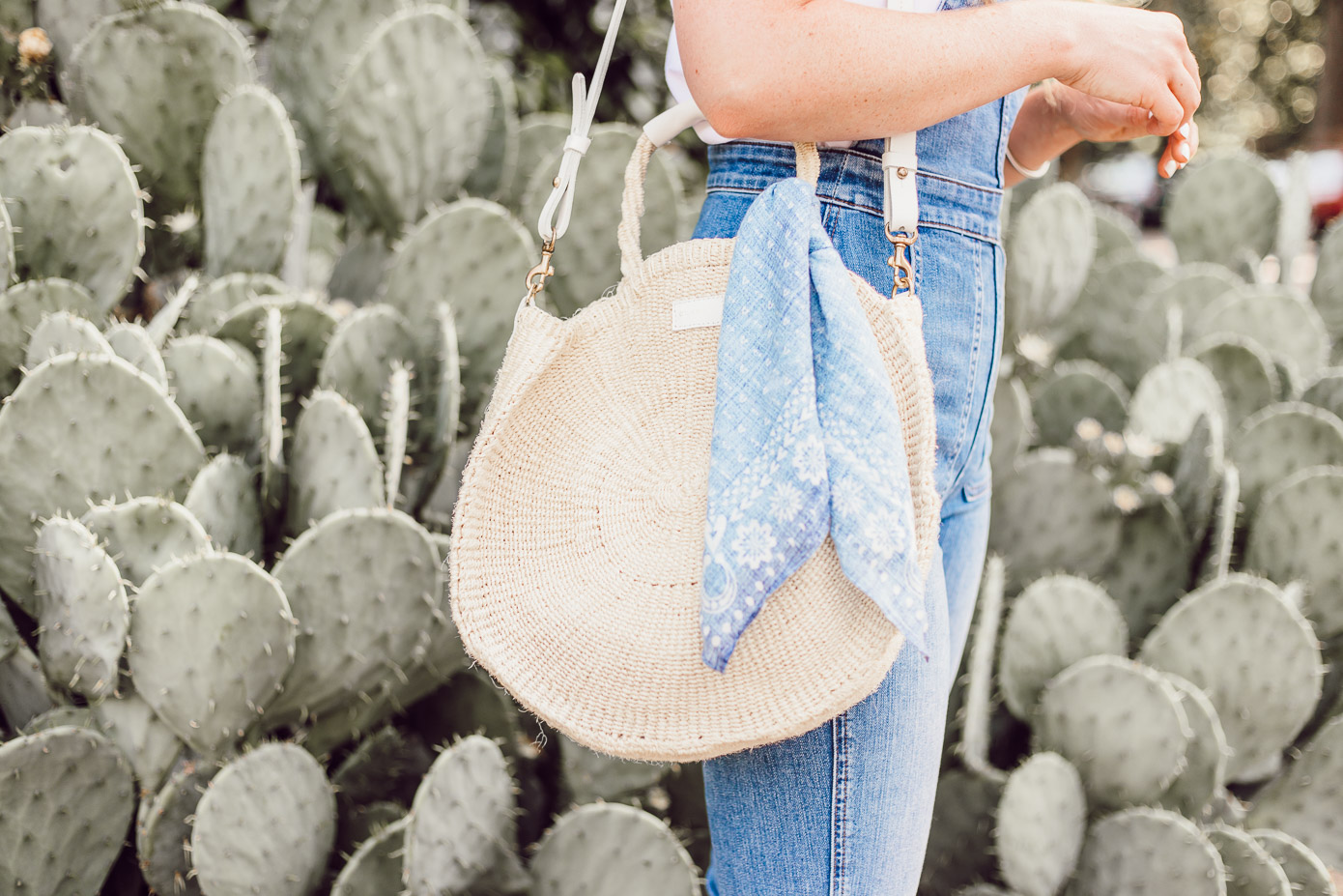 Clare V. Alice Tote | Summer Weekend Overalls Outfit Idea featured on Louella Reese #strawtote #summerstrawbags