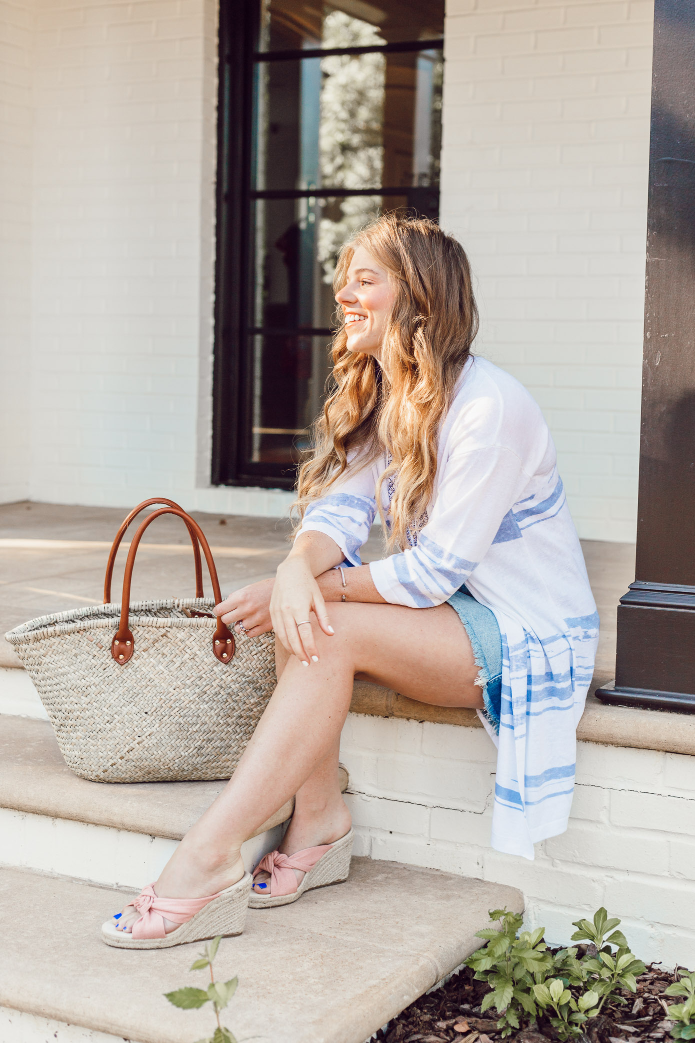 How to Style a Sweater Lightweight Kimono for Summer styled on Louella Reese | Casual Summer Style