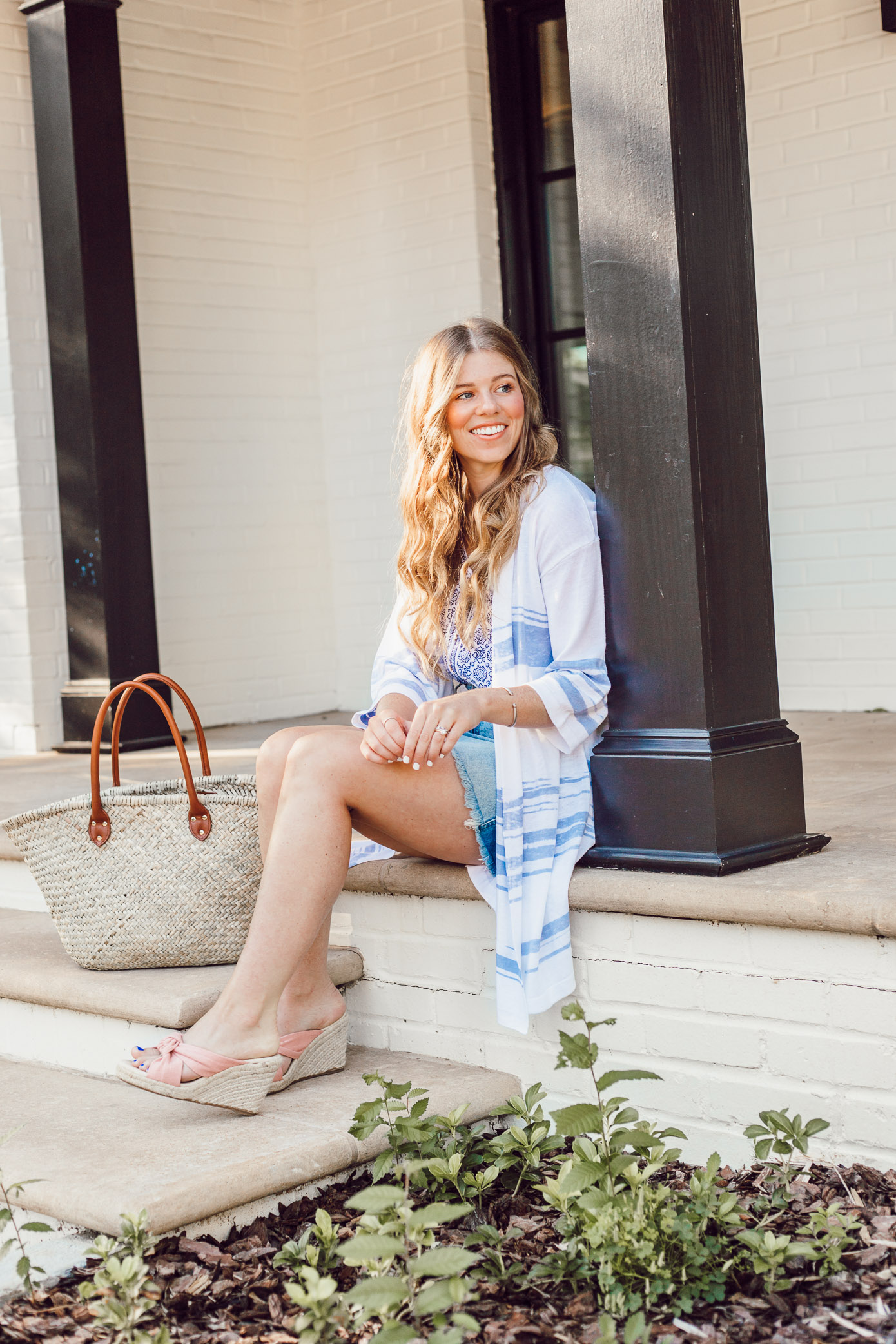 How to Style a Lightweight Sweater Kimono for Summer styled on Louella Reese | Casual Summer Style