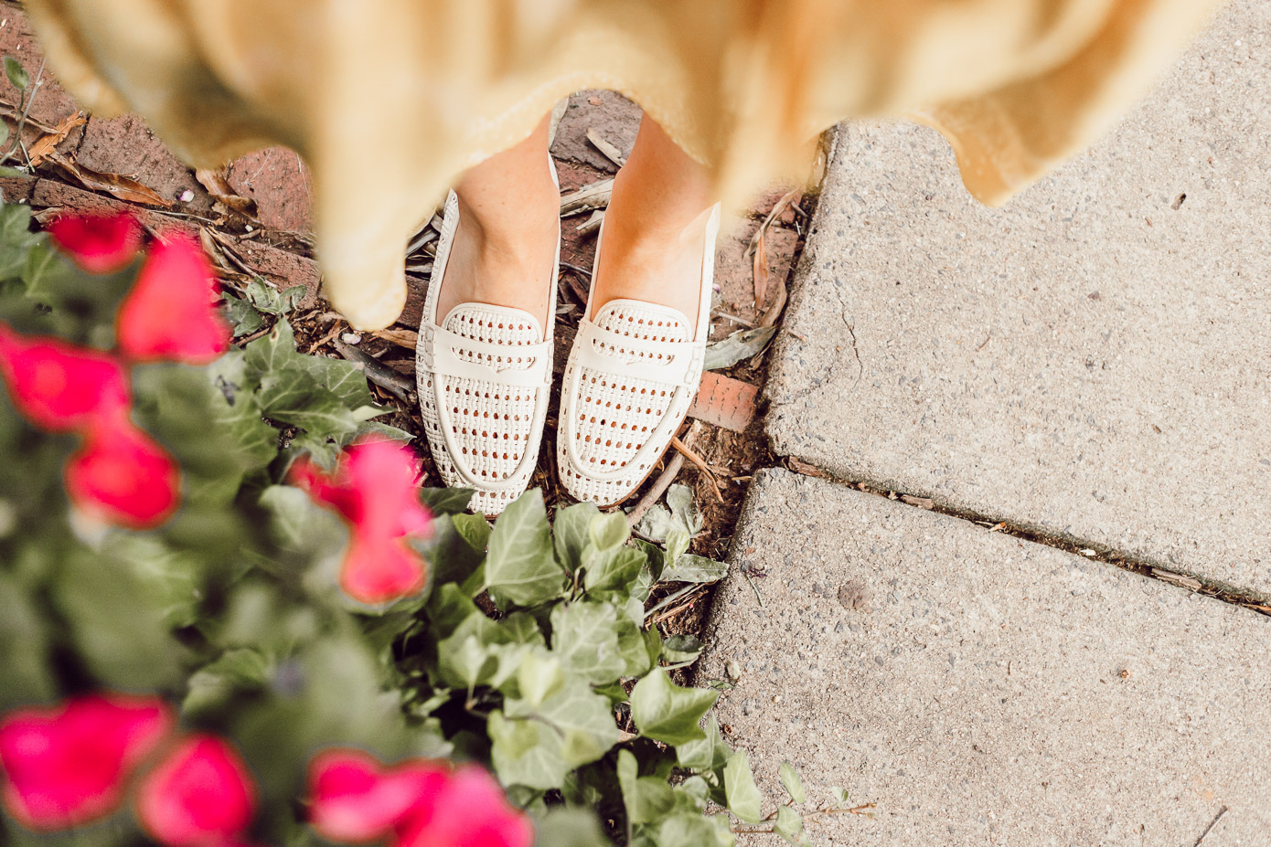 Preppy Casual Summer Style, Ivory Loafers for Late Summer, Early Fall | What to Cross Off Your Late Summer Bucket List featured on Louella Reese