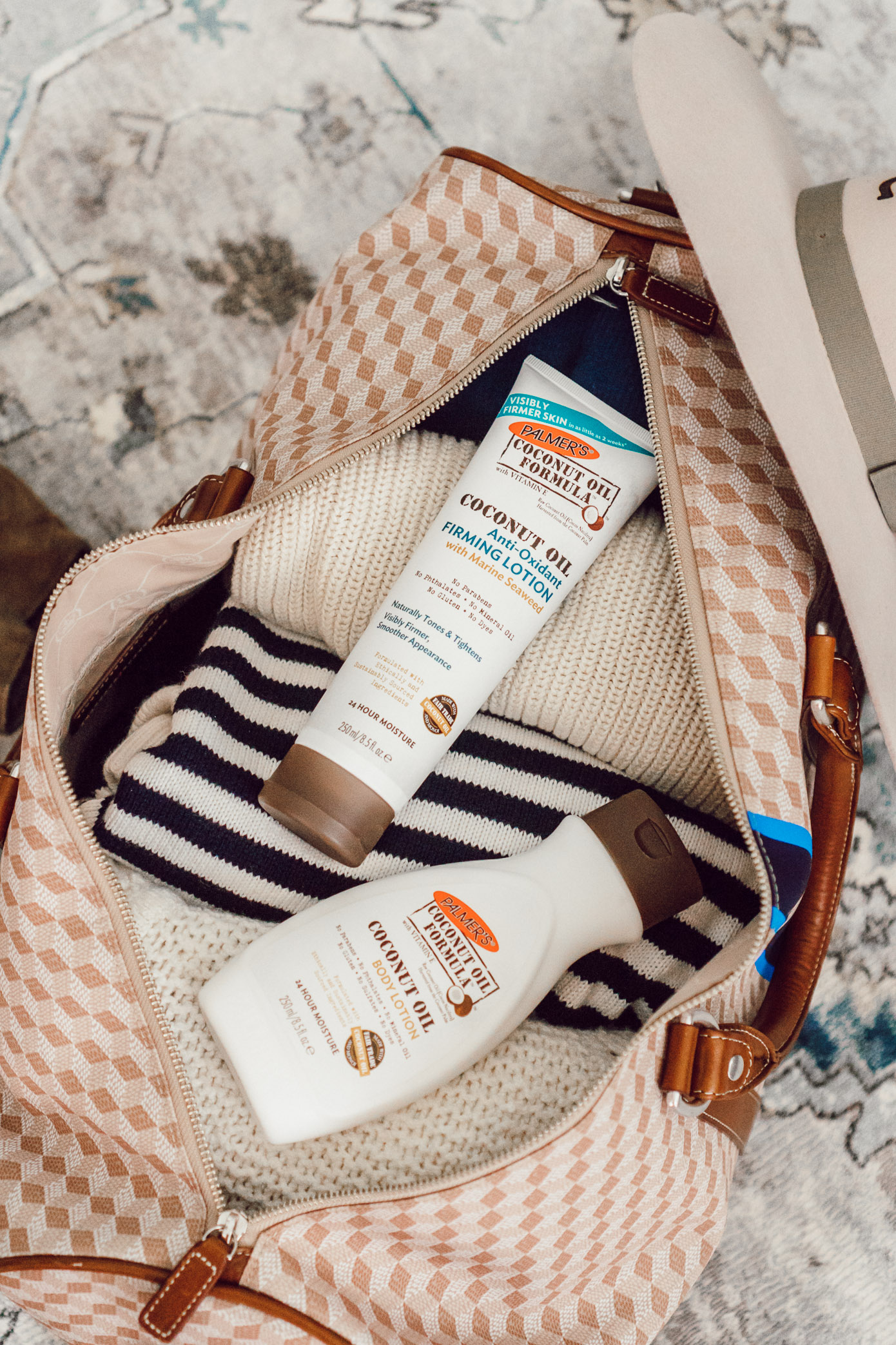Coconut Oil Skincare | Five Ways to Hydrate Your Skin While Traveling featured on Louella Reese