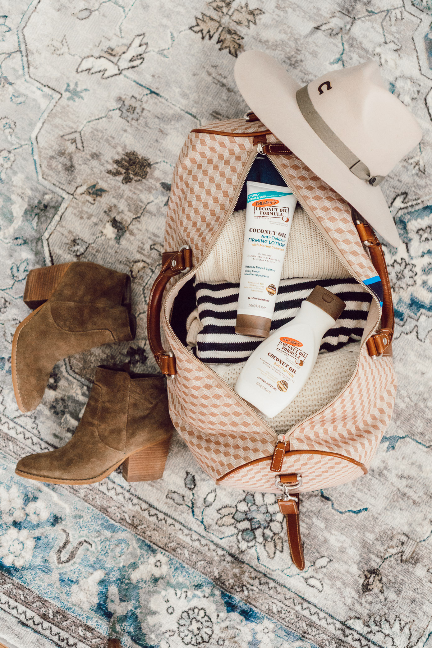 Palmer's Coconut Oil Skincare Products | Five Ways to Hydrate Your Skin While Traveling featured on Louella Reese