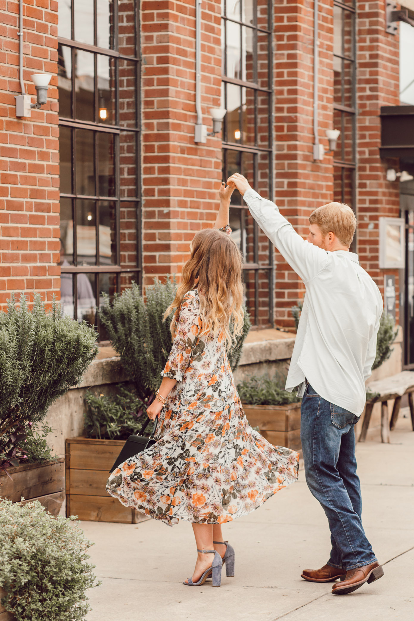 Fall Floral Midi Dress for Date Night | Date Night Beauty Tips featured on Louella Reese Life & Style Blog